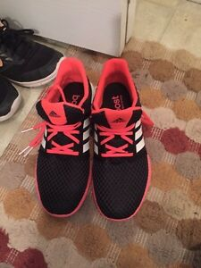 Black and pink adidas size 8