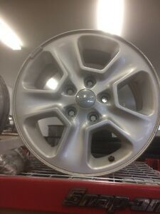 "17"" Jeep Cherokee  rims.  (4). 9.5/10 shape. Prince George British Columbia image 1"