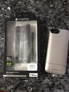 Iphone 5a and 5 Mophie juice pack hellium
