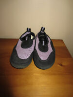 """TODDLER GIRLS """"CHATTIES"""" WATER SHOES - SIZE 10/11"""