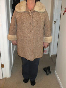 Beautiful Lambs Wool And Mink Collar Coat Kingston Kingston Area image 3