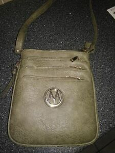 New Mia K Farrow Army Green Leather Purse for sale!