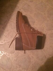 Brand new fashionable boots