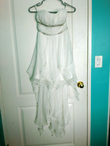 SMALL WHITE HIGH-LOW DRESS