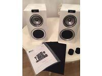 Kef R300 Bookshelf Speakers
