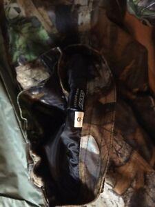 Ensemble chasse: manteau, pantalon, sac à dos, etc Gatineau Ottawa / Gatineau Area image 3