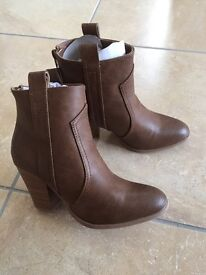 Boots brand new size 6.5
