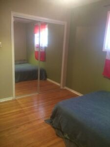 3 rooms near College for rent  Sarnia Sarnia Area image 2
