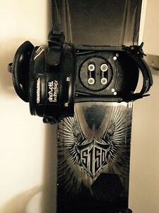 Snowboard & Uvex Tinted Goggles