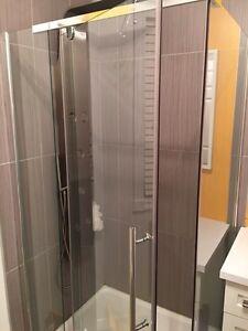 Douche en verre/base/robineterie