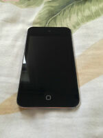 *WOW* iPod Touch 4 16GB comme neuf avec accessoires