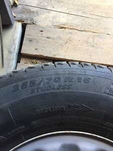 Jeep Wrangler 265/70r16 Winter tires and rims Gatineau Ottawa / Gatineau Area image 3