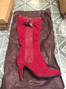 Segolene woman's boots brown or red size 6