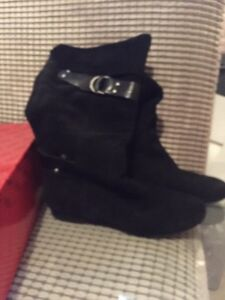 Suede guess boots - size 6