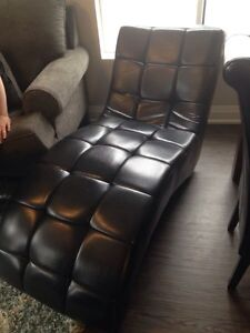 Leather Look Lounge Chair