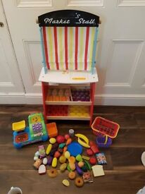 Wooden Marketstall/Scales and Playfood