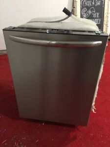 Frigidaire Dishwasher For Sale Guelph/Georgetown - one year old.
