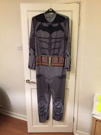 Men's Batman costume with mask and cape ONO