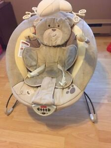 EUC Fisher-Price SnugaBear Deluxe Bouncer