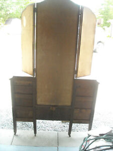 Vanity with Tri-Fold Mirrors & 6 Drawers, over 80 years old. Peterborough Peterborough Area image 6