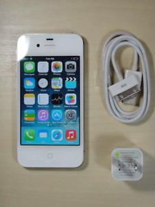Unlocked Original iphone 4s 8GB; chargeur,boite