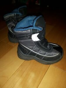 Winter boots toddler size 5