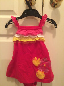 Girls new  dress with tags - 2 pieces size 9-12 months