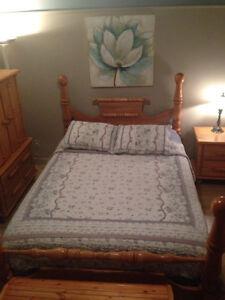 Mobilier de chambre à coucher en Orme