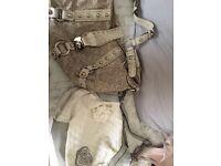 2 guess handbags