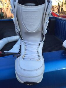 Thirtytwo snowboard boots 8.5 Cambridge Kitchener Area image 2