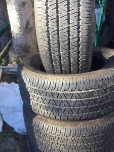 4 winter tires/ 4 pneus d'hiver FIRESTONE excellent condition