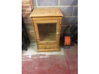 Pine cabinet with glass front (460x560x900)