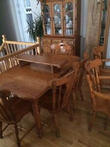Solid oak dining set. Table, chairs, hutch & corner unit