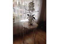 Shabby chic entrance / hall/ side table
