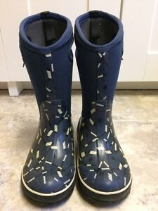 Bogs Winter Boots Size 1