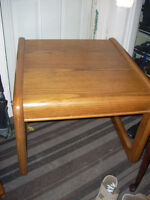 end table 25 x27 x 20 asking 10