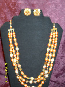 Estate Vintage jewellery Set- Necklace with matching earrings