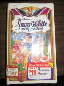 Snow White and the Seven Dwarfs (VHS, 1994) Peterborough Peterborough Area image 1