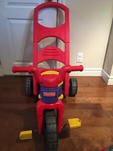 Fisher price tricycle West Island Greater Montréal image 2