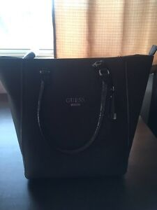Brand new Guess Purse  London Ontario image 2