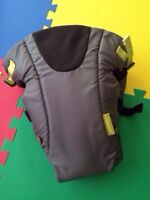 Infantino Breathe Vented Carrier - Like New!