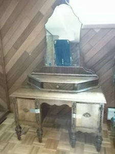 Beautiful Antique Vanity Make-up Dresser