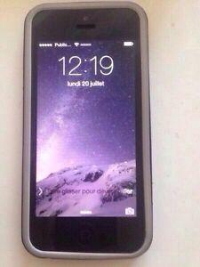 **Pour Échange **iPhone 5 16 GB Super état ( très propre)