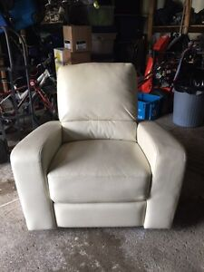 Reclining bonded leather chair