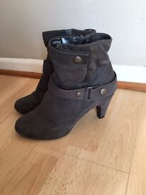 Women's Grey Ankle Boots Size 5