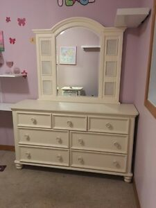 REDUCED -- Girls bedroom suite