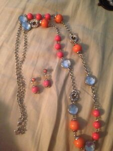 Banana republic necklace and earring set
