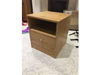 Small bedside table in great condition!