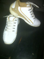 Barely used size 8 LAGZ 454 casual shoes.