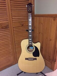 Acoustic guitar with pick ups